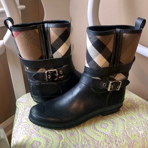 🌦 Burberry - Mini Buckle Rainboot - LIKE NEW 🌦